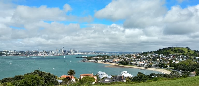 Foto en Devonport de la Sky Tower