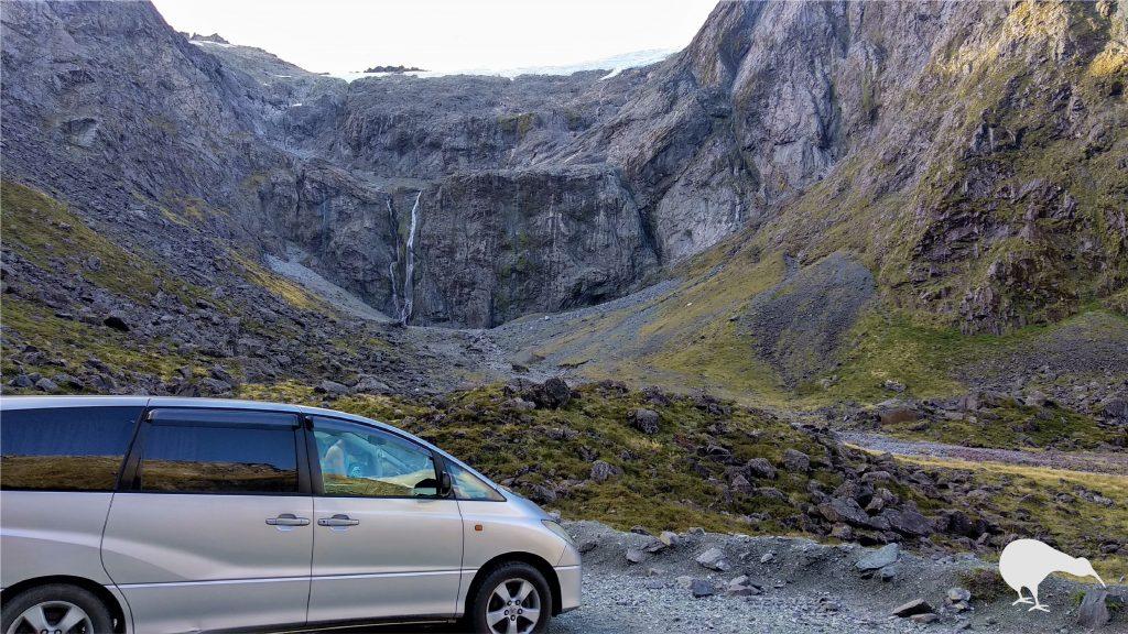 Nuestro Toyota Estima por Milford Sound.